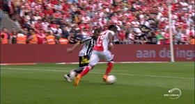 Standard 1 - 0 Charleroi, Imoh EZEKIEL : 26', Goal