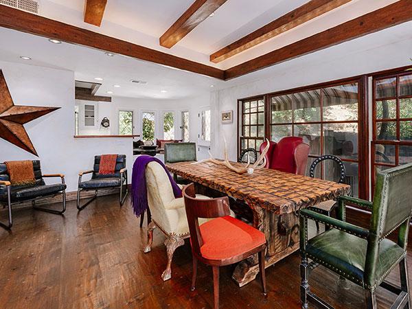 Eetkamer - Te koop: de villa van Cher