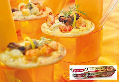 Zakouskis mini pizza 39 s met zeevruchten happy christmas - Deco voorgerecht ...