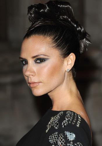 victoria beckham quel maquillage pour le nouvel an. Black Bedroom Furniture Sets. Home Design Ideas