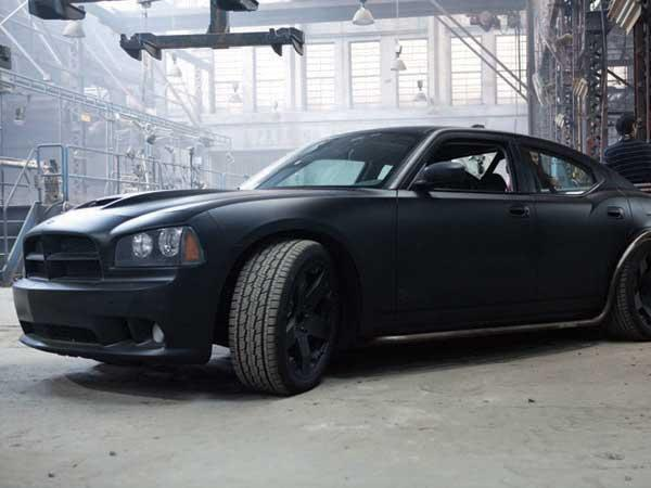 dodge srt8 vault charger fast furious 5 interview exclusive et les voitures les plus cool. Black Bedroom Furniture Sets. Home Design Ideas