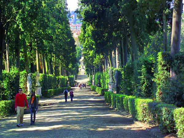le jardin des boboli florence italie les plus beaux jardins du monde. Black Bedroom Furniture Sets. Home Design Ideas