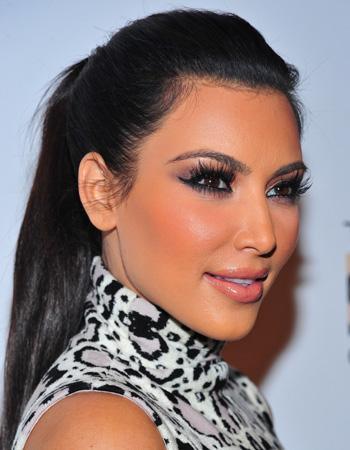 Kim kardashian actu beaut le retour de l 39 eyeliner - Comment faire le maquillage de kim kardashian ...