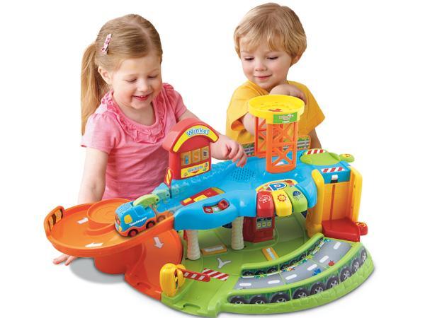 Garage Toet Toet : Speelgoed eerste leeftijd toet toet auto s garage speelgoed van