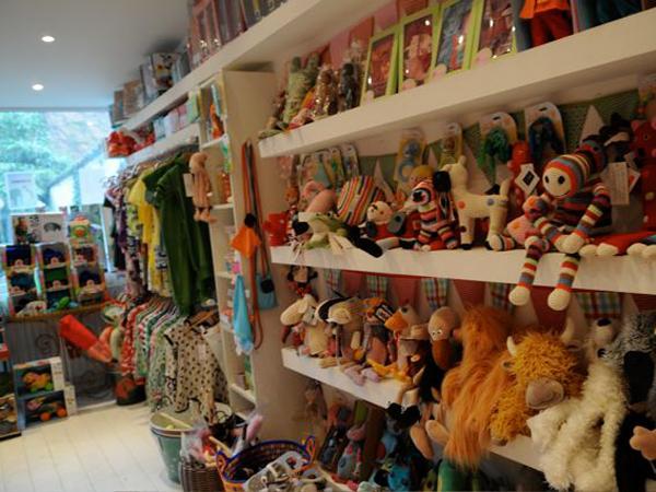 5 ixelles zao 10 boutiques de jouets pour enfants. Black Bedroom Furniture Sets. Home Design Ideas