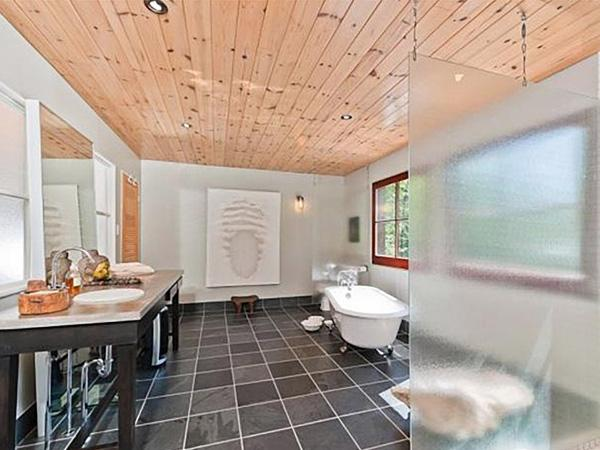Grijze Faience Badkamer ~ De badkamer het buitenverblijf van halle berry