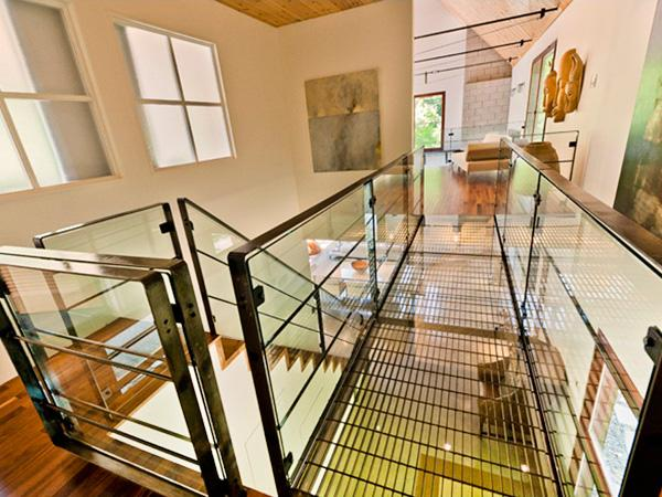 Passerelles modernes le nid douillet d 39 halle berry - Deco eigentijds design huis ...