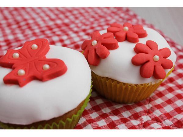 cupcakes caf 233 et finition p 226 te 224 sucre recettes faciles 224 faire avec les enfants