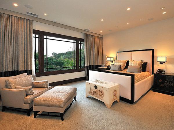 Slaapkamer kijk binnen in de villa van kim kardashian for Deco slaapkamer