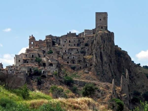 30 superbes monuments abandonn s - Acheter village abandonne ...
