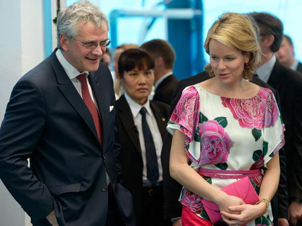 belgische vertegenwoordigers - de stijl van toekomstig koningin mathilde