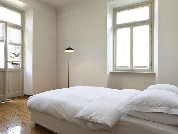 10 astuces pour une chambre feng shui 10 astuces pour une chambre feng shui. Black Bedroom Furniture Sets. Home Design Ideas