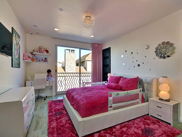Chambre d 39 enfant jean claude van damme vend sa demeure - Chambre d enfant original ...