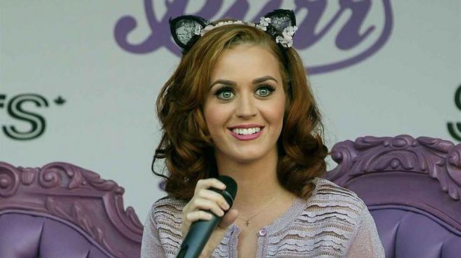 Katy Perry Is Naakt In Clips Behoorlijk Zat