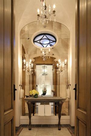 Grand miroir bienvenue chez gisele b ndchen for Miroir grande demeure