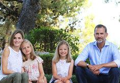 Het fotogenieke gezin van koning Felipe