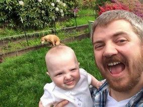 Selfies en de achtergrond: best altijd even checken…