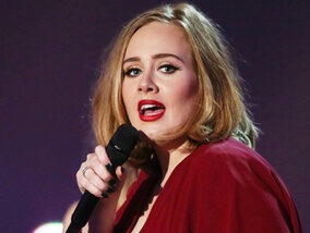 Adele is de stem van Sam Smith en Keanu Reeves is onsterfelijk: bizarre mythes uit Hollywood