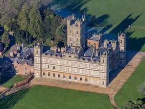 Plongée dans l'univers Downton Abbey : découverte des lieux de tournage emblématiques
