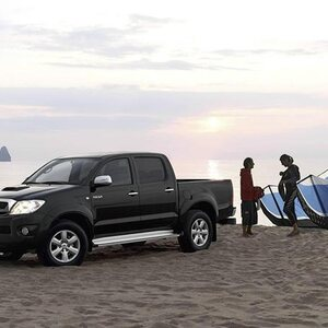 toyota hilux le pick up des utilitaires au programme vert. Black Bedroom Furniture Sets. Home Design Ideas