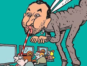 Cyril Hanouna se déguise en moustique pour répondre à Charlie Hebdo