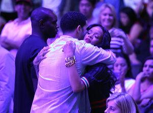 Drake maakt excuses voor afzeggen shows