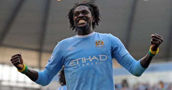 One Day, one goal: Adebayor viert zijn prachtige goal in het hol van de leeuw