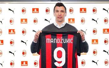 Verbreekt de 34-jarige Mario Mandzukic de 'Vloek van het nummer 9' bij Milan?