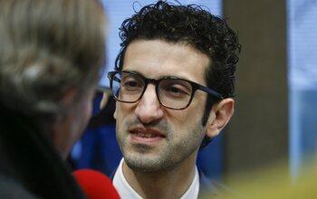 Verontwaardigde Ridouani (burgemeester Leuven) zet deur op een kier voor finalematch