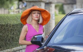 Agatha Raisin gaat weer los in een tweede seizoen op BBC First