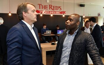 Non pas Alex Hayes, mais plutôt Mbo Mpenza pour relancer Mouscron