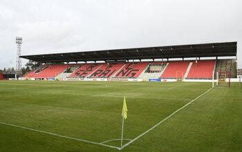 La structure du RFC Seraing: le soutien du FC Metz et un stade historique à la beauté un peu fanée