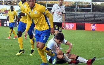 L'équipe Proximus League de la saison// BACK DROIT// Federico Vega (Union SG)