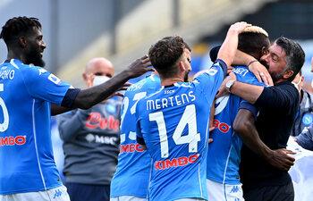 Zijn Dries Mertens en Victor Osimhen complementair in de aanval van Napoli?