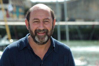 Kad Merad mène la nouvelle série 'Un homme d'honneur'