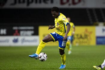 Lommel haalt Agyepong (ex-Waasland-Beveren) en Aminu; drie spelers mogen beschikken