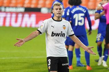 Kaalgeplukt Valencia op zoek naar derde seizoenszege tegen Real Madrid
