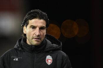 Moeskroen verliest coach Jorge Simao aan Portugese seizoensrevelatie