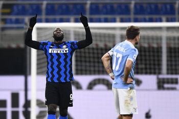 Lukaku atteint la barre des 300 buts et propulse l'Inter en tête de la Serie A