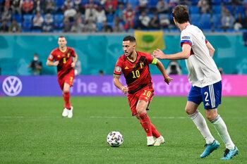 Eden Hazard doit-il débuter avec les Diables contre le Danemark?