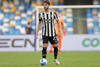EK-sensatie Manuel Locatelli beleeft voorlopig nog geen plezier aan zijn toptransfer naar Juventus