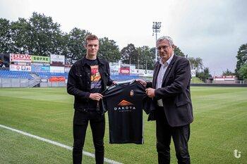 SK Deinze plukt jonge spits weg bij R. Antwerp FC