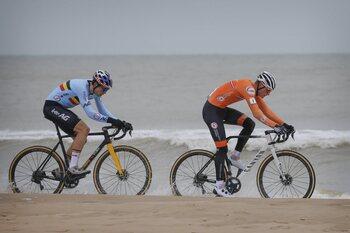 Bilan cyclocross janvier: Coupe du Monde pour Wout, titre mondial pour Mathieu