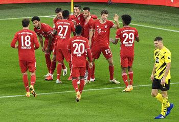 Bayern München wint zinderende topper bij Dortmund