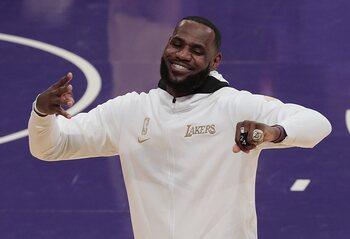 LeBron James entre encore un peu plus dans l'histoire