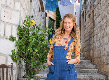 Mamma Mia: Here We Go Again, een making-of met Lily James en Meryl Streep