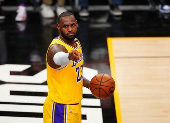 Avec Anthony Davis blessé, le succès des Lakers passera par un LeBron James XXL