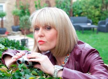 Agatha Raisin doet haar ding vanaf 5 augustus op BBC First