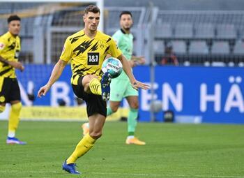 Dortmund wint eenvoudig van Mönchengladbach op eerste speeldag