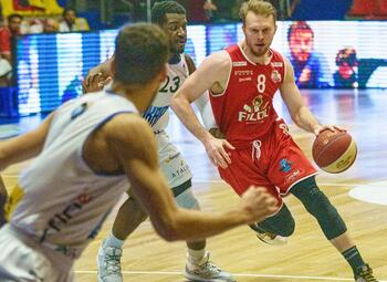Wie houdt pletwals Filou Oostende tegen in de Euromillions Basket League?